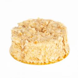 Tort bezowo-kajmakowy